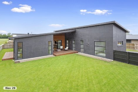 Photo of property in 7 Grey View Grove Rangiora Waimakariri District