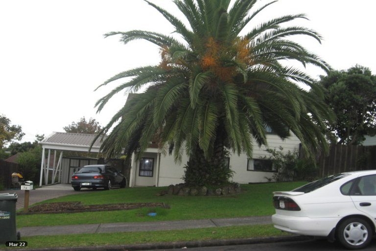 Property photo for 12 Glenshee Place, Highland Park, Auckland, 2010