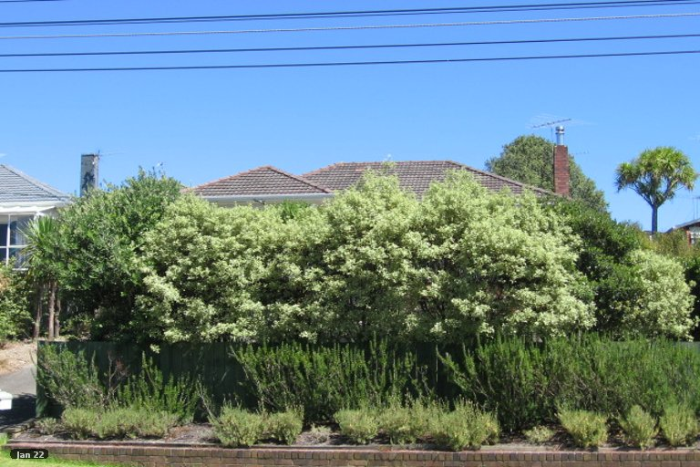 Property photo for 14 Aorangi Place, Birkenhead, Auckland, 0626