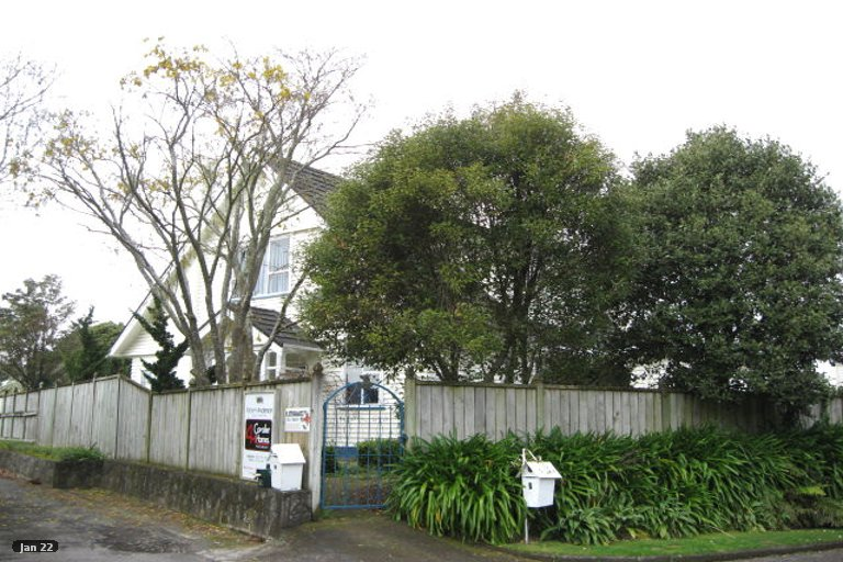 Photo of property in 9 Welbourn Terrace, Welbourn, New Plymouth, 4310
