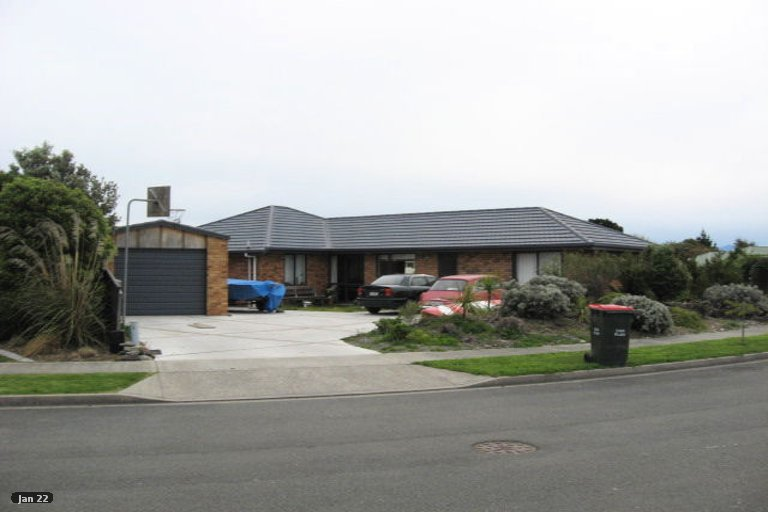Photo of property in 11 Hoult Crescent, Monaco, Nelson, 7011