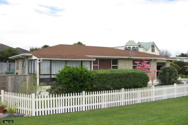 Photo of property in 11 Martin Street, Monaco, Nelson, 7011
