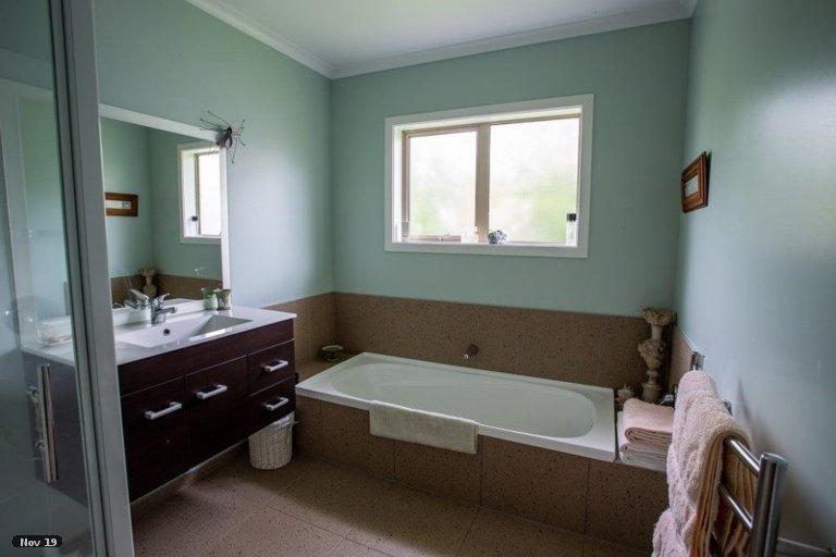 Property photo for 11 Hilton Road, Carterton, 5713