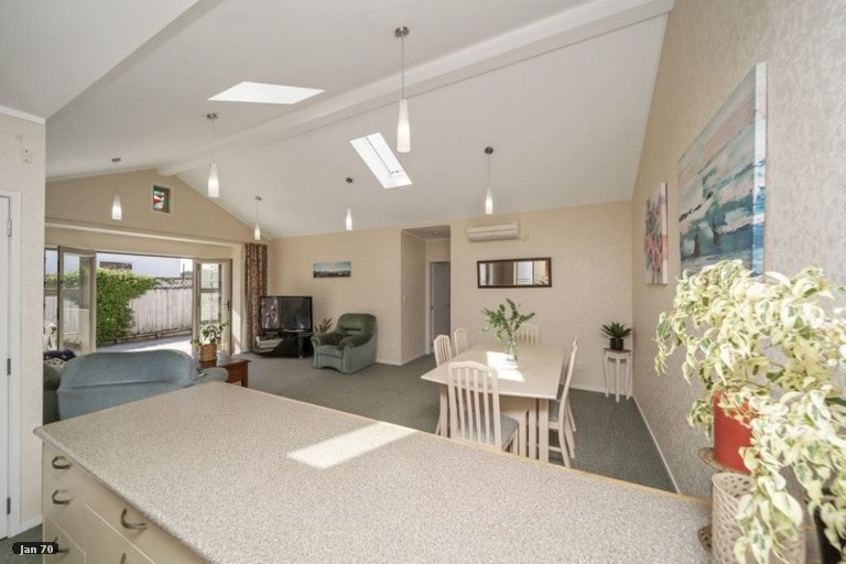Photo of property in 1/3 Tainui Street, Welbourn, New Plymouth, 4312