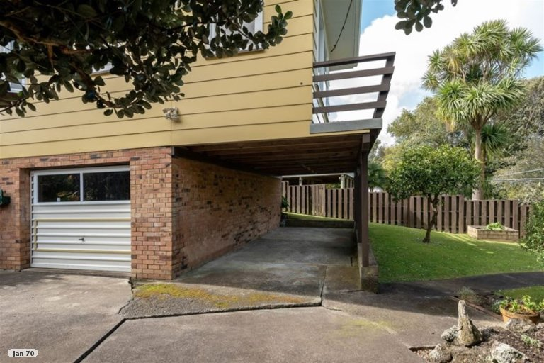 Property photo for 15 Judkins Crescent, Cockle Bay, Auckland, 2014
