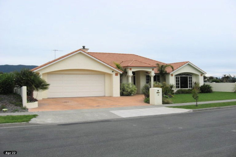 Photo of property in 13 Hoult Crescent, Monaco, Nelson, 7011