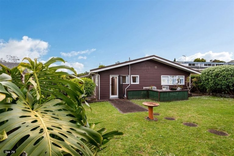 Property photo for 9 Catalina Crescent, Forrest Hill, Auckland, 0620