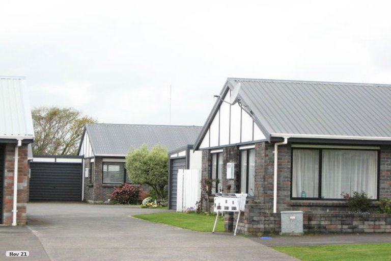 Photo of property in 219/2 Coronation Avenue, Welbourn, New Plymouth, 4310