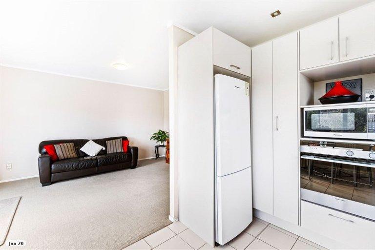 Property photo for 28 Faith Bullock Place, New Lynn, Auckland, 0600