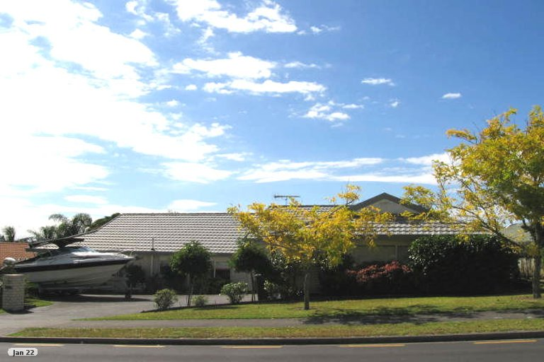 Property photo for 15 Goldfinch Rise, Unsworth Heights, Auckland, 0632