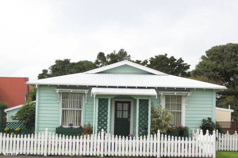 Photo of property in 233A Coronation Avenue, Welbourn, New Plymouth, 4310