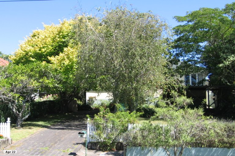 Property photo for 2/10 Aorangi Place, Birkenhead, Auckland, 0626