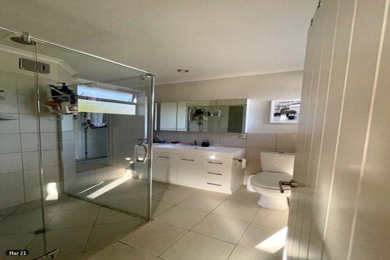Photo of property in 2/220 Avonhead Road, Avonhead, Christchurch, 8042