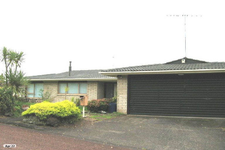 Photo of property in 8 Endymion Place, Half Moon Bay, Auckland, 2012