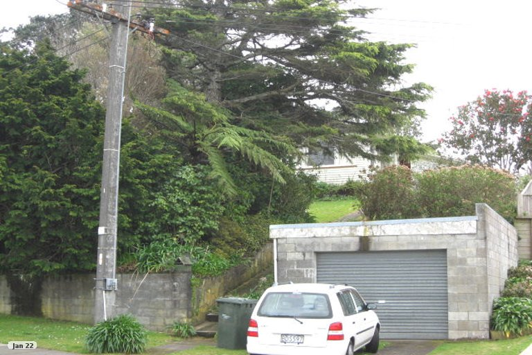 Photo of property in 1 Junction Street, Welbourn, New Plymouth, 4310