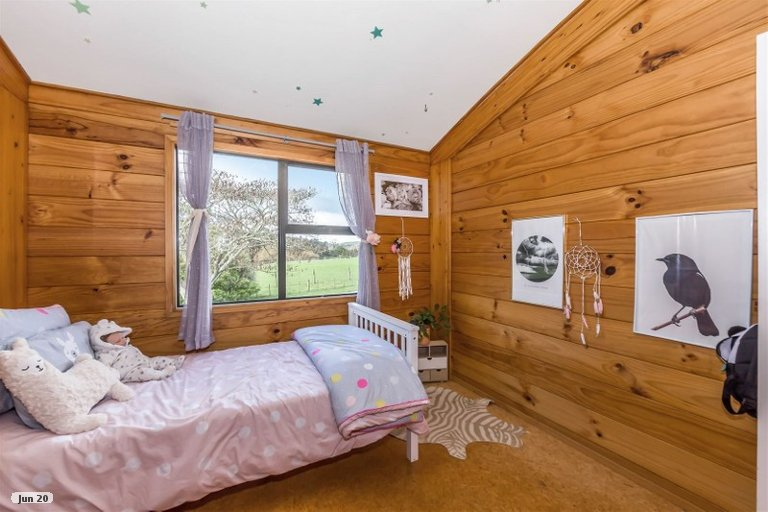 Property photo for 275 Peak Road, Kaukapakapa, 0875