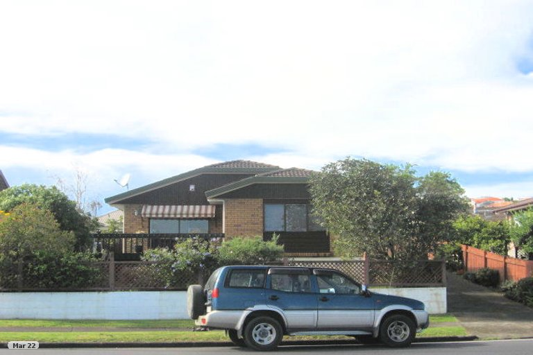 Property photo for 2/62 Aviemore Drive, Highland Park, Auckland, 2010