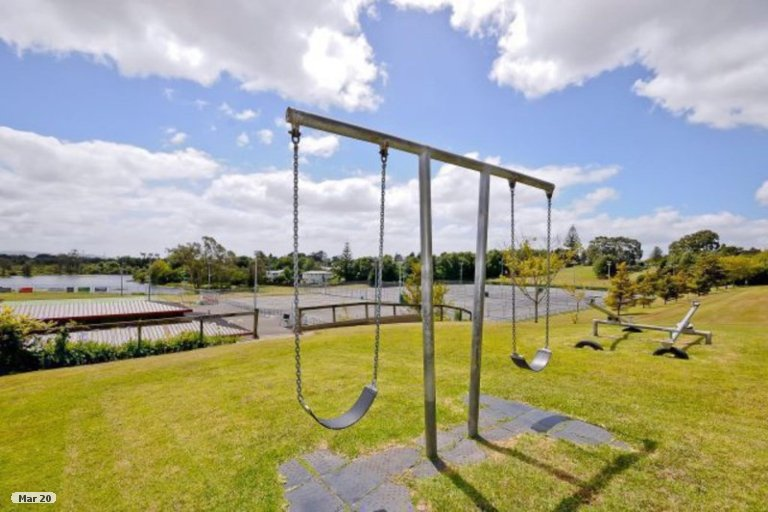 Property photo for 2 Moore Street, Forest Lake, Hamilton, 3200