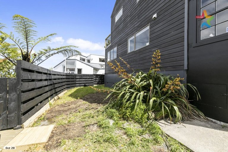 Photo of property in 22B Matuhi Street, Tirohanga, Lower Hutt, 5010