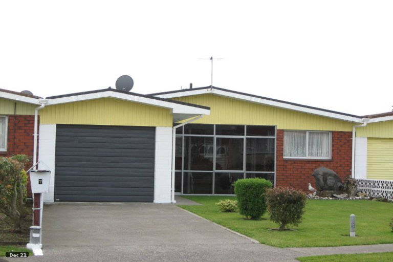 Photo of property in 7 Evelyn Place, Welbourn, New Plymouth, 4310