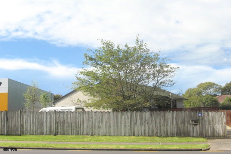Property photo for 32 Aviemore Drive, Highland Park, Auckland, 2010