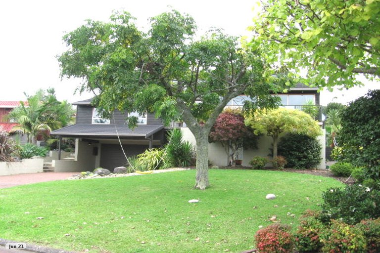 Photo of property in 27 Endymion Place, Half Moon Bay, Auckland, 2012