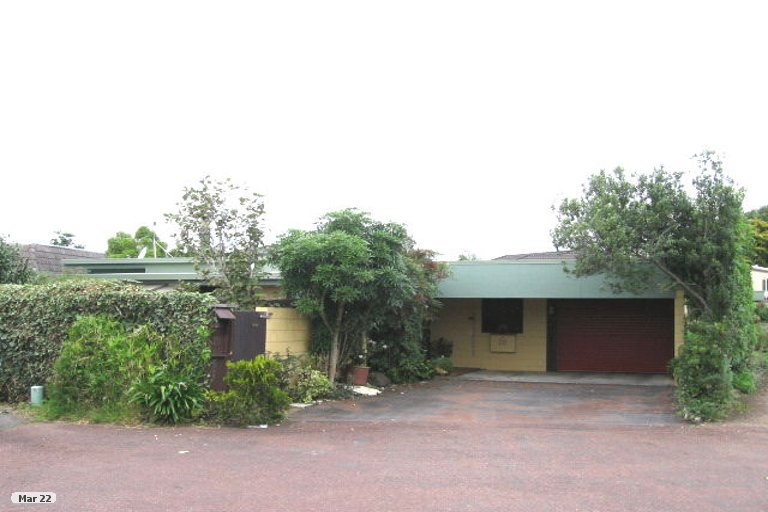 Photo of property in 20 Endymion Place, Half Moon Bay, Auckland, 2012
