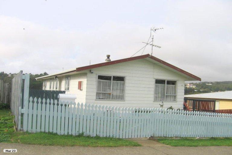 Photo of property in 32 Conclusion Street, Ascot Park, Porirua, 5024