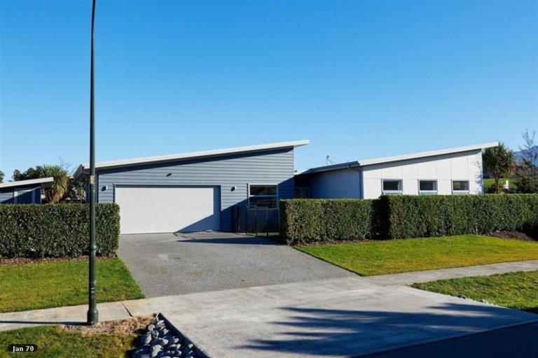 Photo of property in 1 McRae Gardens, Kaikoura Flat, Kaikoura, 7371