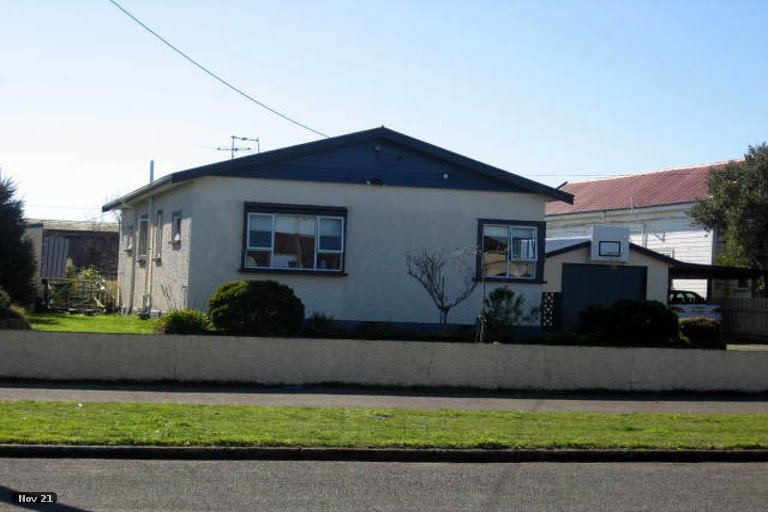 Photo of property in 96 Broadway, Carterton, 5713