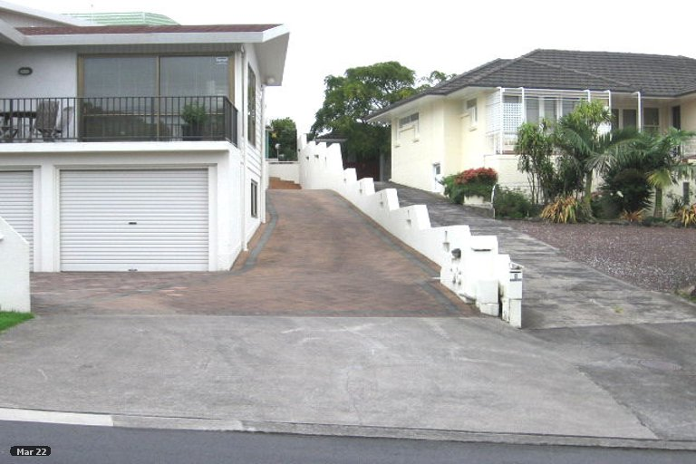 Property photo for 2/5 Laings Road, Bucklands Beach, Auckland, 2012