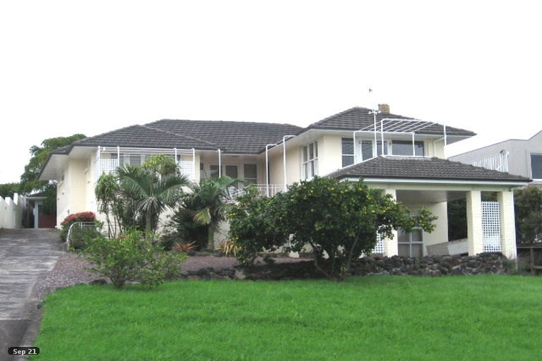 Property photo for 2/3 Laings Road, Bucklands Beach, Auckland, 2012
