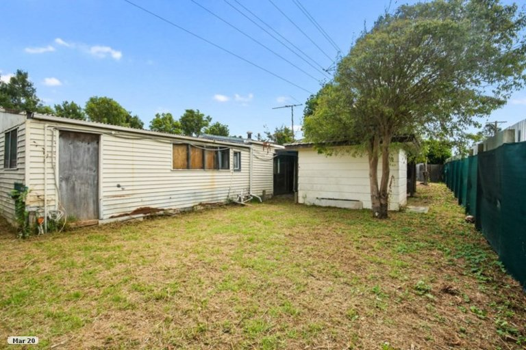 Property photo for 10 Meadow Crescent, Te Atatu South, Auckland, 0602