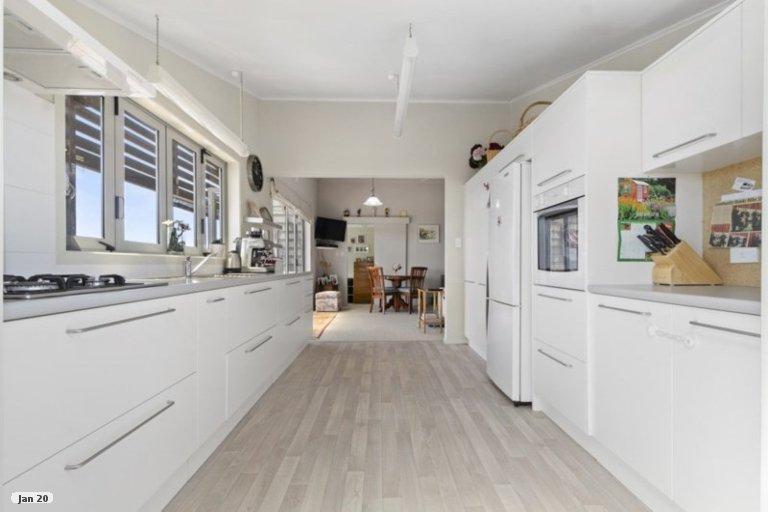 Property photo for 10 Puriri Avenue, Kaiaua, Miranda, 2473