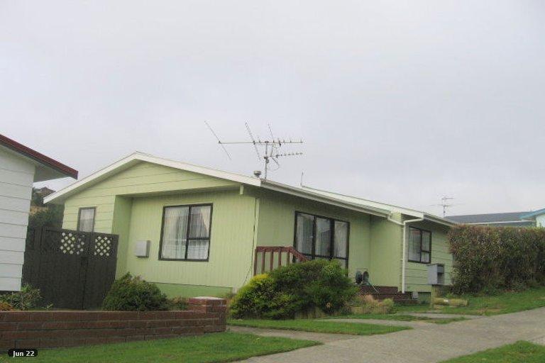 Photo of property in 11 Parkinson Close, Whitby, Porirua, 5024