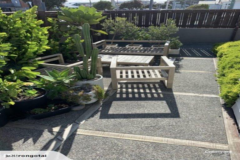 Property photo for 122 Rongotai Road, Kilbirnie, Wellington, 6022