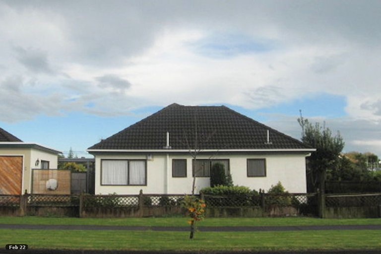 Property photo for 1/55 Aviemore Drive, Highland Park, Auckland, 2010