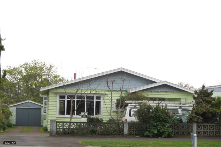 Photo of property in 240 Coronation Avenue, Welbourn, New Plymouth, 4310