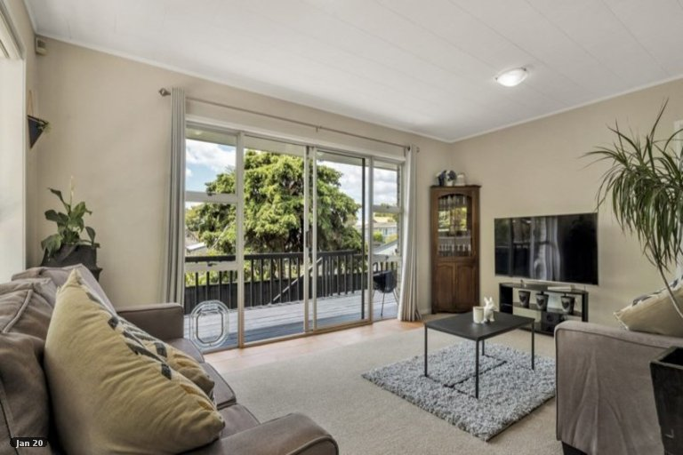 Property photo for 2/15 Sherie Place, Howick, Auckland, 2014