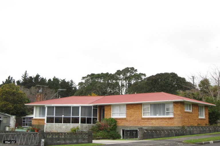 Photo of property in 2 Thames Street, Welbourn, New Plymouth, 4310