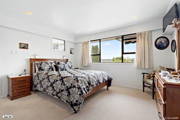 Property photo for 40 Lewisham Street, Highland Park, Auckland, 2010