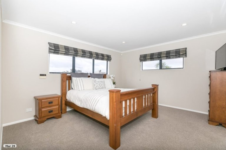 Property photo for 16 Friesian Place, Grandview Heights, Hamilton, 3200