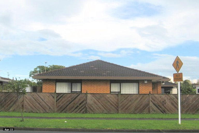 Property photo for 2/59 Aviemore Drive, Highland Park, Auckland, 2010