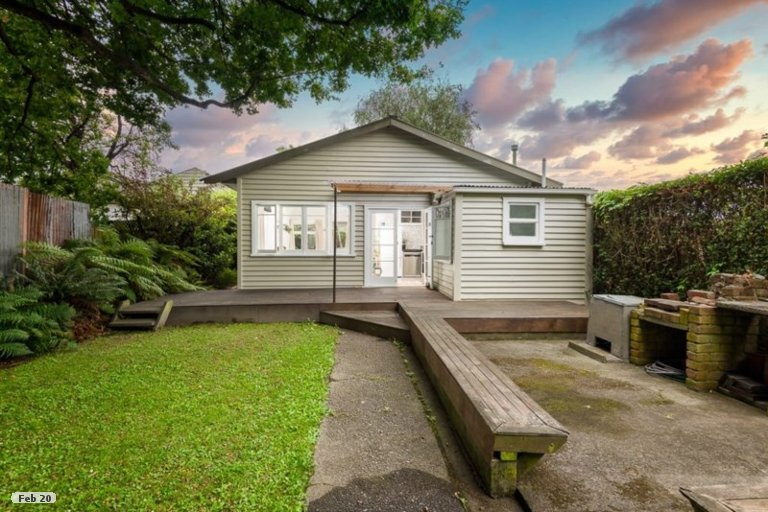 Property photo for 14 Tabart Street, Woolston, Christchurch, 8023