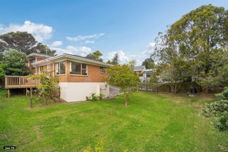 Property photo for 2/40 Blakeborough Drive, Forrest Hill, Auckland, 0620