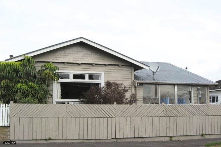 Photo of property in 30 List Street, Welbourn, New Plymouth, 4310