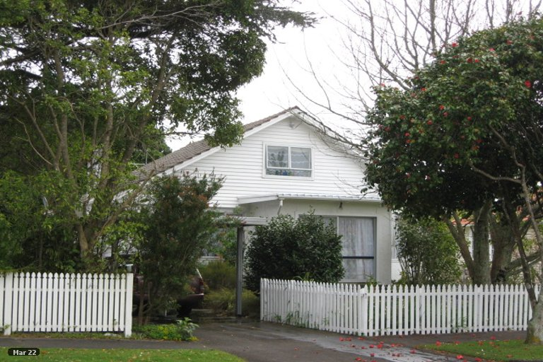 Photo of property in 14 List Street, Welbourn, New Plymouth, 4310