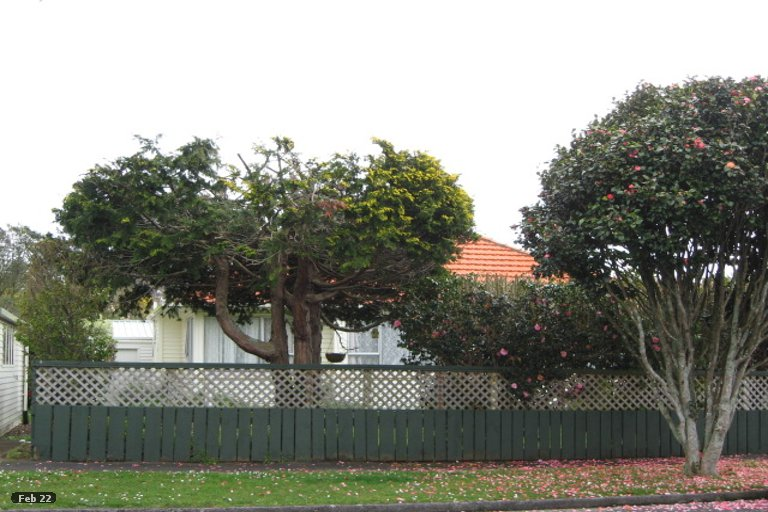 Photo of property in 6 List Street, Welbourn, New Plymouth, 4310
