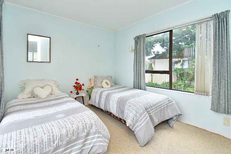 Property photo for 47 Gossamer Drive, Pakuranga Heights, Auckland, 2010