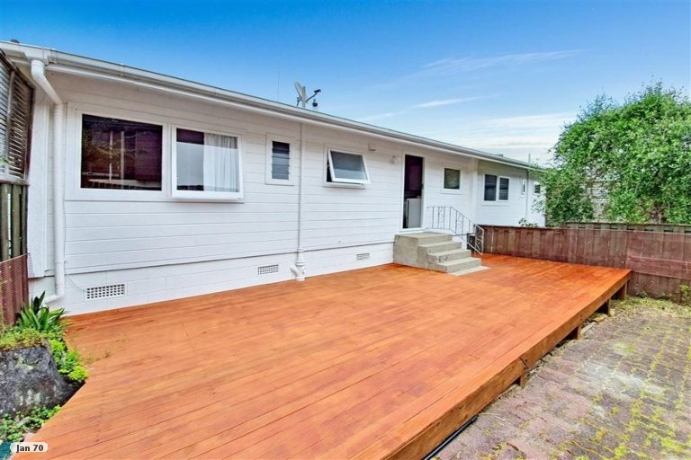 Property photo for 2/15 Selwyn Crescent, Forrest Hill, Auckland, 0620